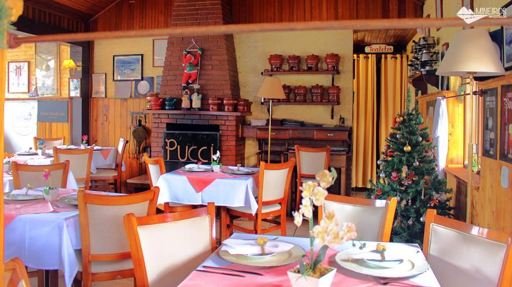 Restaurante Pucci, aberto para almoço e jantar, em Monte Verde.