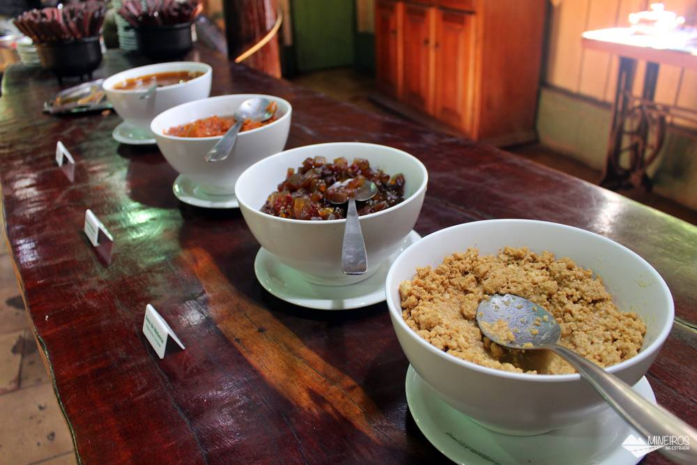 Sobremesas servidas na Estância Mimosa, em Bonito, Mato Grosso do Sul.