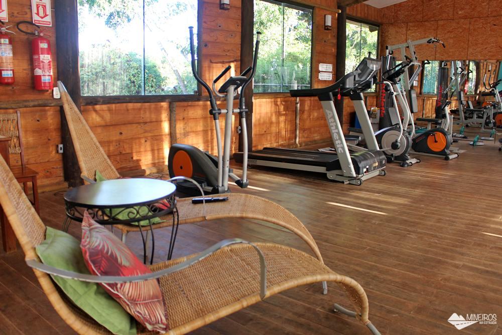Academia do Hotel Pousada Águas de Bonito, uma excelente opção de hospedagem em Bonito, Mato Grosso do Sul. Possui quartos confortáveis, grande área para lazer e descanso, comida boa e ótimo atendimento.