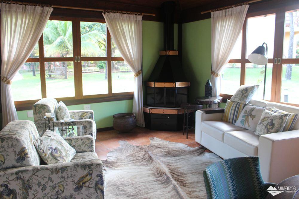 Sala de estar do Hotel Pousada Águas de Bonito, uma excelente opção de hospedagem em Bonito, Mato Grosso do Sul. Possui quartos confortáveis, grande área para lazer e descanso, comida boa e ótimo atendimento.