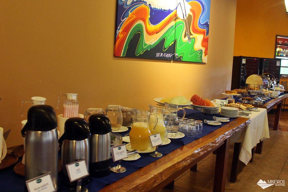 Café da manhã do Hotel Pousada Águas de Bonito, uma excelente opção de hospedagem em Bonito, Mato Grosso do Sul. Possui quartos confortáveis, grande área para lazer e descanso, comida boa e ótimo atendimento.