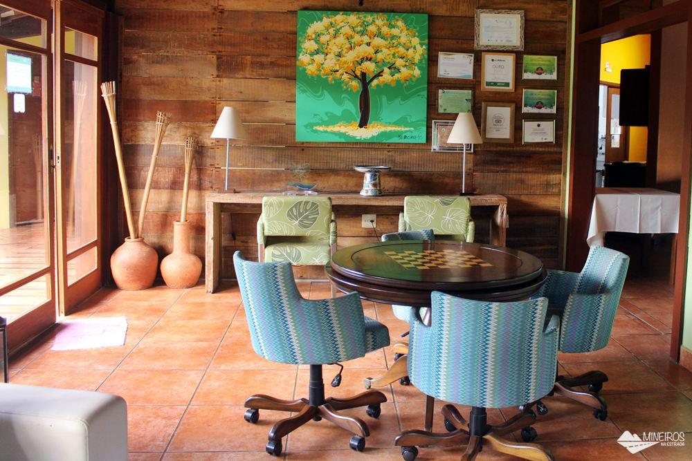Redário do Hotel Pousada Águas de Bonito, uma excelente opção de hospedagem em Bonito, Mato Grosso do Sul. Possui quartos confortáveis, grande área para lazer e descanso, comida boa e ótimo atendimento.