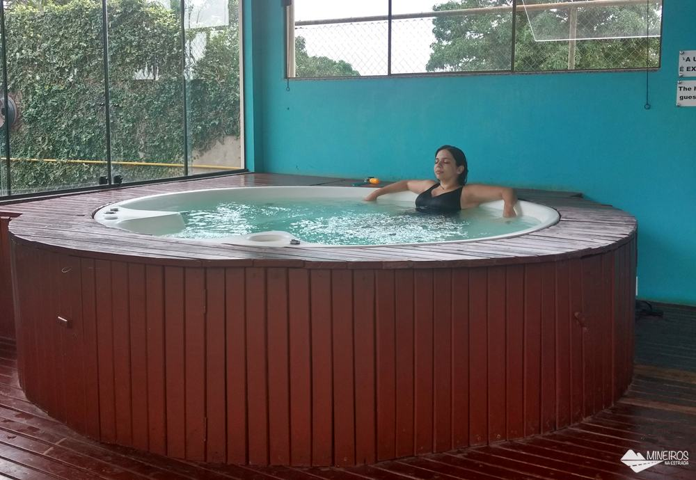 Jacuzzi do spa do Hotel Pousada Águas de Bonito, uma excelente opção de hospedagem em Bonito, Mato Grosso do Sul. Possui quartos confortáveis, grande área para lazer e descanso, comida boa e ótimo atendimento.
