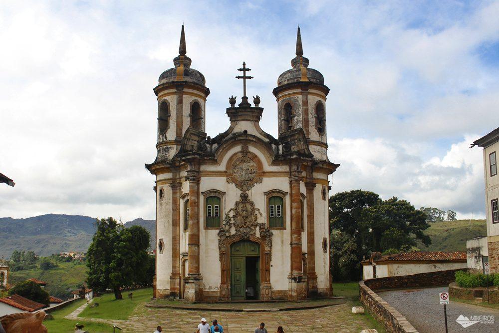 A Igreja São Francisco de Assis, em Ouro Preto (MG),é uma das mais importantes do país, pois reúne obras Aleijadinho e Mestre Ataíde.