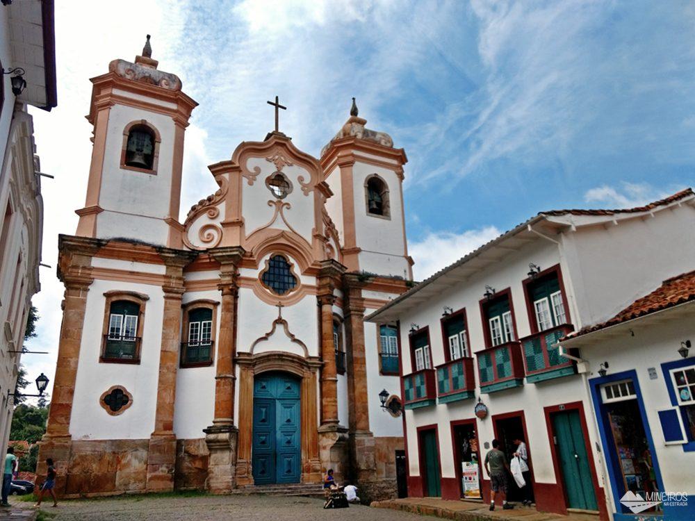 A Basílica Nossa Senhora do Pilar é a segunda igreja com mais ouro no Brasil.