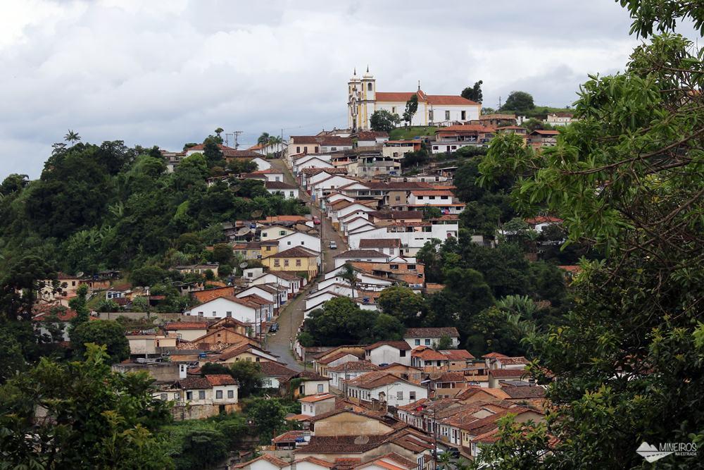 A Igreja de Santa Efigênia, em Ouro Preto, teria sido construída encomendada pelo ex-escravo Chico Rei.