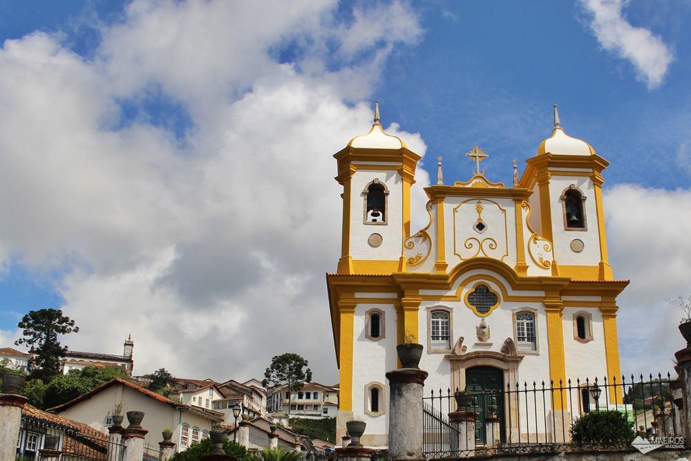 Na Igreja Nossa Senhora da Conceição estão sepultados Antônio Francisco Lisboa, o Aleijadinho, e seu pai, Manuel Francisco Lisboa.