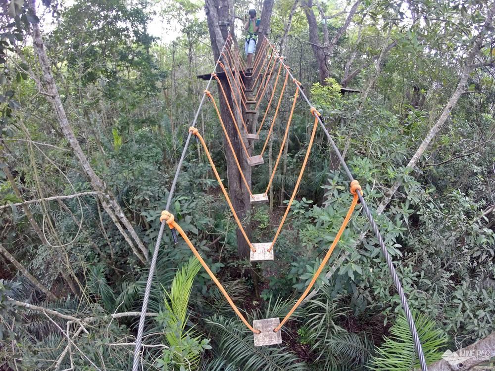 Uma atividade radical em Bonito é o boia-cross, que acontece nas dependências do Hotel Cabanas. A atividade é aberta para não-hóspedes. Bonito fica em Mato Grosso do Sul, Centro-Oeste do Brasil.