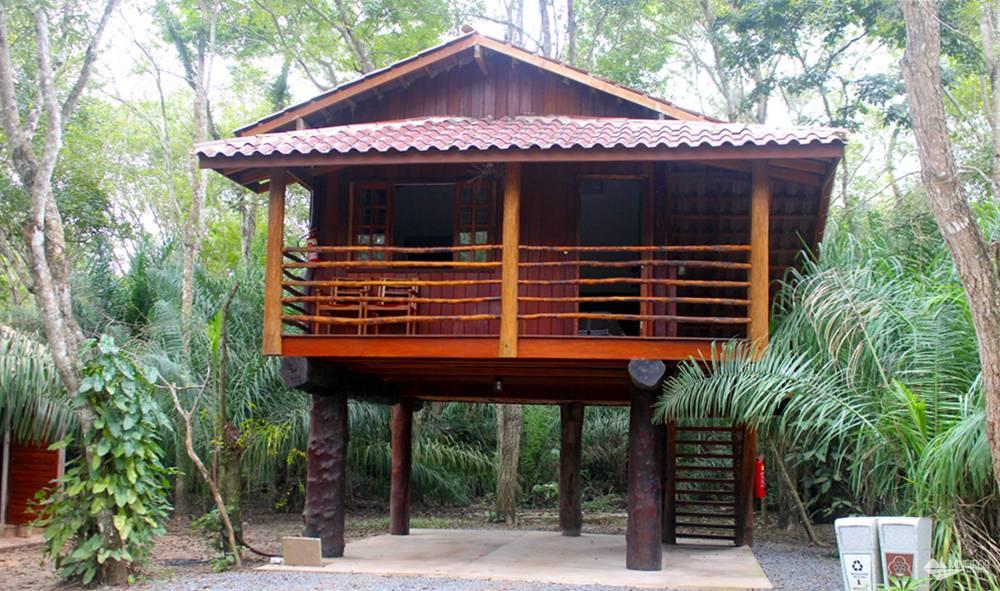 Uma das acomodações do Hotel Cabanas, em Bonito (MS).