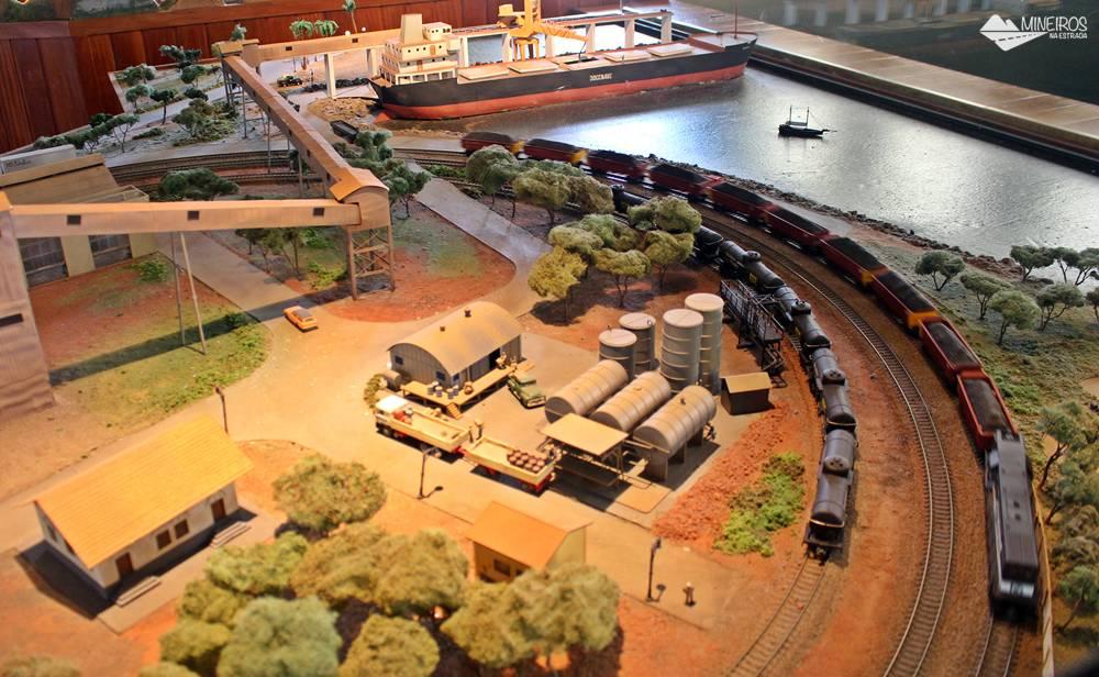 Maior maquete ferroviária do país, exposta no Museu Vale, em Vila Velha (ES).