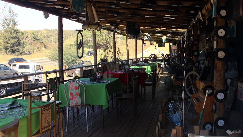 O Museu Jeca Tatu fica na estrada entre Itabirito e Ouro Preto. Seu acervo traz as mais variadas quinquilharias.