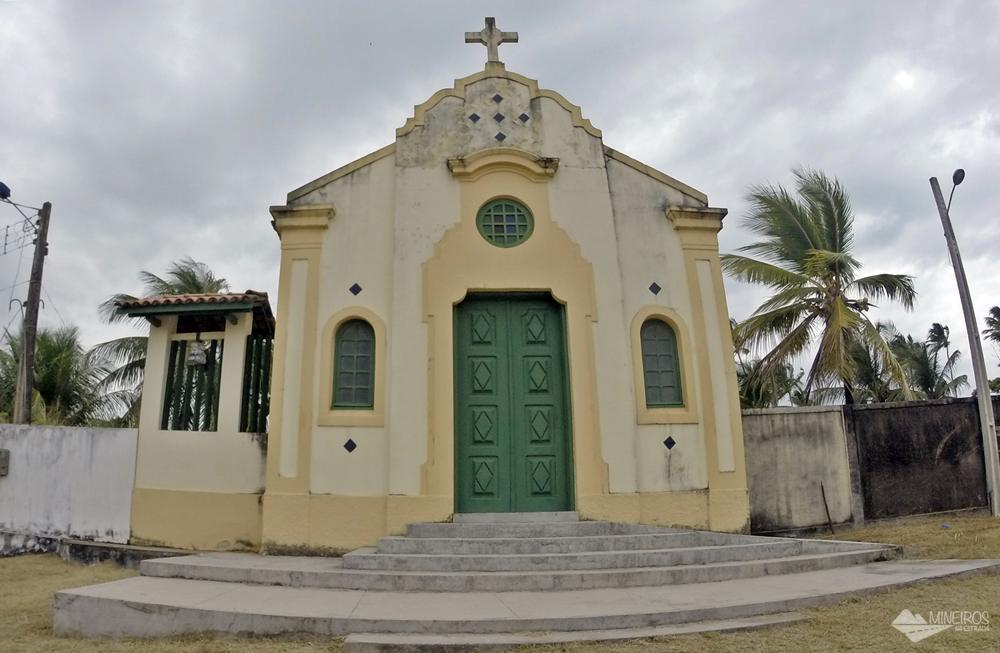 capela na praia do cupe
