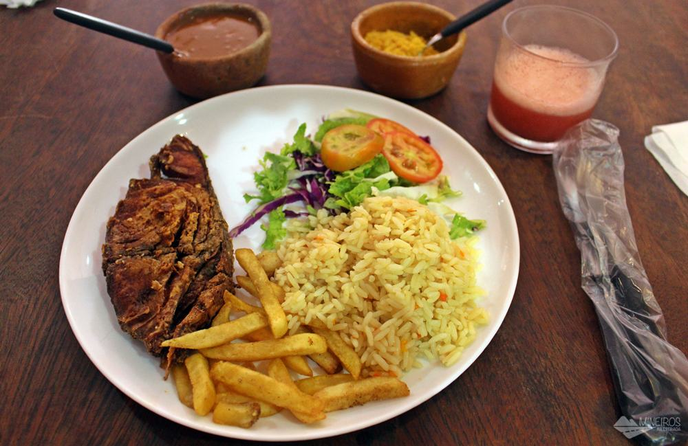 Restaurante Farofa Fina, prato executivo. Porto de Galinhas