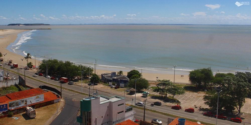 O Stop Way Hotel, em São Luís, fica praticamente em frente à praia, com quartos confortáveis com vista para o mar ou para a Lagoa da Jansen.