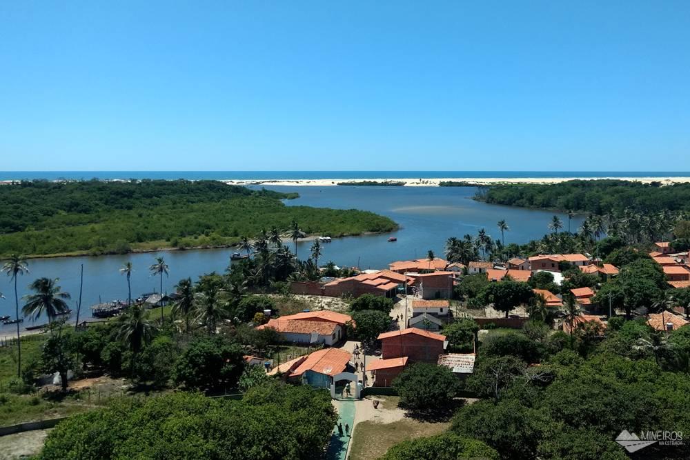 Farol de Mandacaru, uma das paradas do passeio de voadeira pelo rio Preguiças, nos Lençóis Maranhenses.