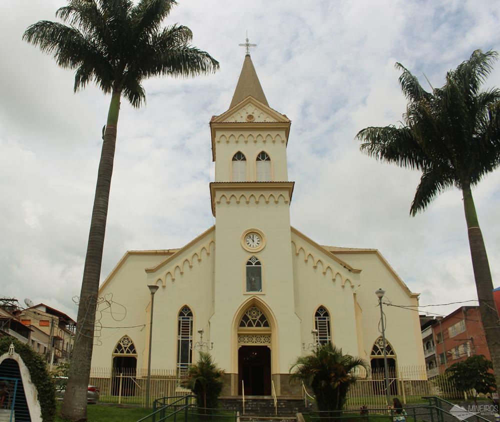 Paróquia São Miguel das Almas, em Santos Dumont.