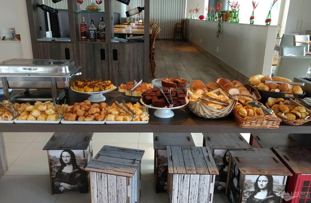 Café da manhã do E-suítes SPA Lagoa Santa.