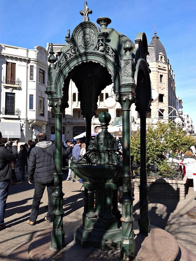 Região do Mercado do Porto, na Cidade Velha, o centro histórico de Montevidéu.