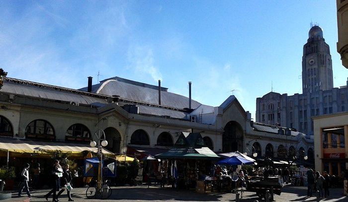 Mercado do Porto, tradicional ponto turístico de Montevidéu.
