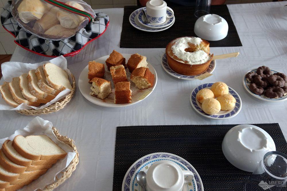 Café da manhã da Pousada Vista Alegre, em Lavras Novas.