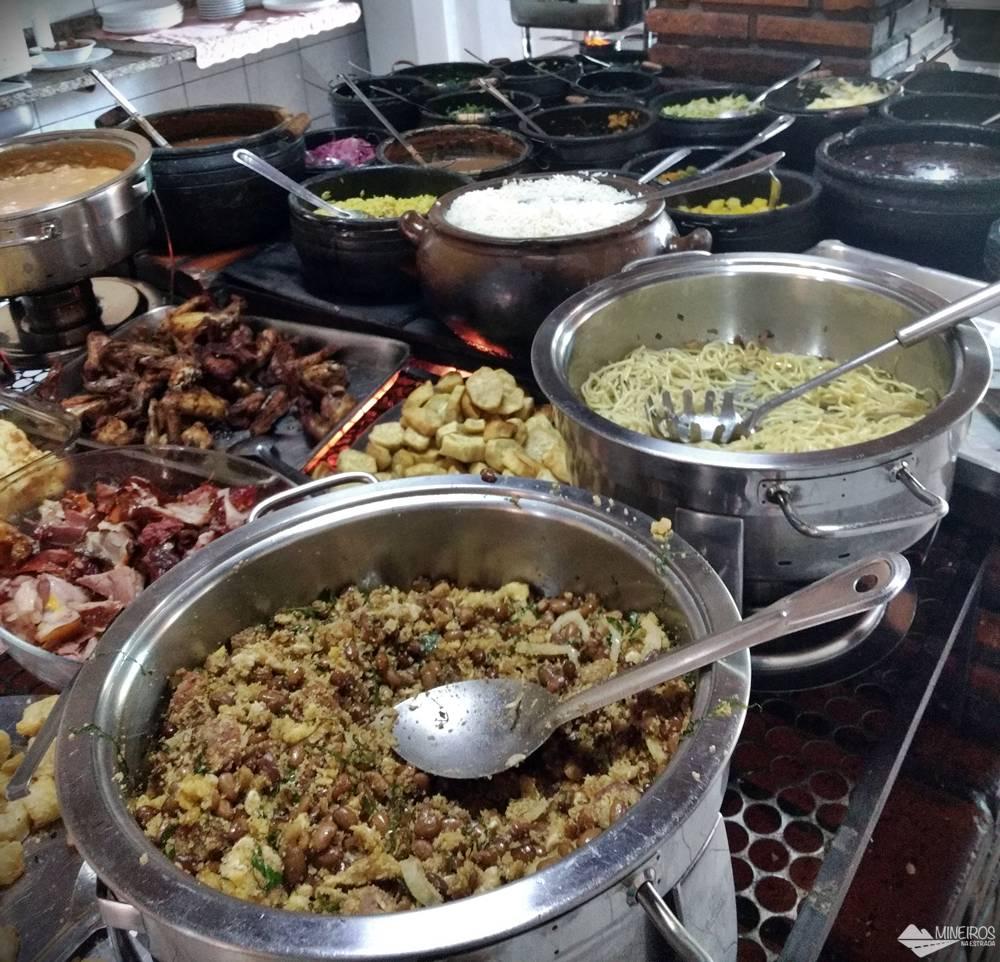 Onde comer em Conceição do Mato Dentro: Self-service no Solar da Lili