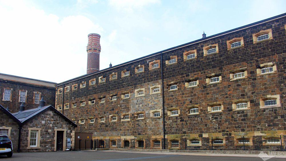 Como é a visita à temível Crumlin Road Gaol, uma prisão que encarcerou de assassinos a crianças, na Irlanda do Norte.