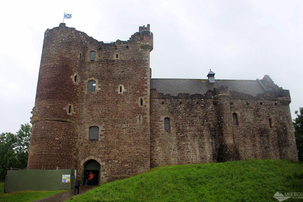 Roteiro de 4 dias inteiros na Escócia, sendo 2 dias em Edimburgo e 2 fazendo passeios pelos arredores da cidade.