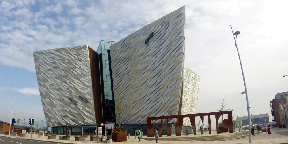 O famoso navio Titanic nasceu em Belfast, na Irlanda do Norte. O local de sua construção foi transformado no museu Titanic Belfast.