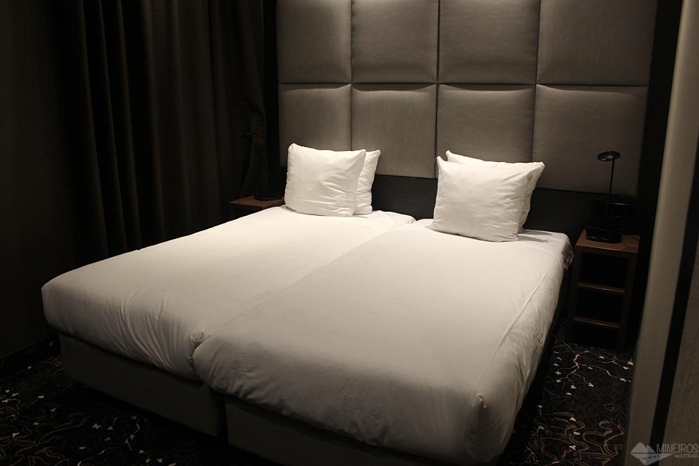 Procurando por hospedagem em Amsterdã? Veja nosso review do Hotel Levell. Hotel bom, barato (para os padrões da cidade) e perto do metrô.