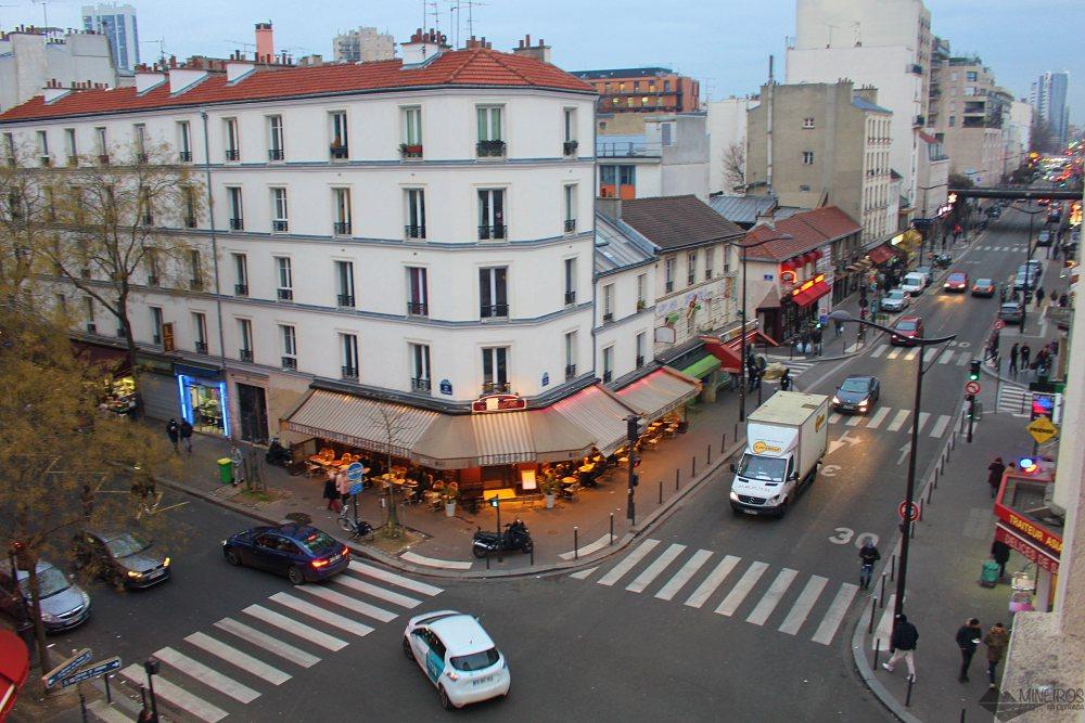 Procurando um hotel barato e próximo ao metrô em Paris? O Hotel de L'Union tem metrô literalmente na porta e preços muito bons!