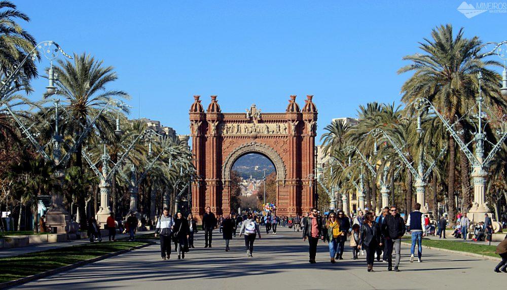 Precisa de ajuda para montar seu roteiro para Barcelona? Veja neste post o que fazer em 4 dias na cidade.