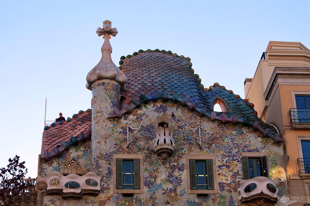 Precisa de ajuda para montar seu roteiro para Barcelona? Veja neste post o que fazer em 4 dias na cidade. Uma sugestão é a Casa Batlló.