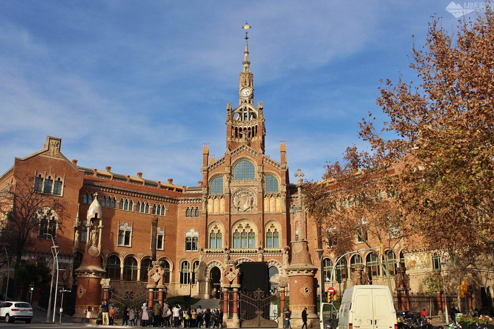 Precisa de ajuda para montar seu roteiro para Barcelona? Veja neste post o que fazer em 4 dias na cidade. Uma sugestão é o Hospital de la Santa Creu i Sant Pau.