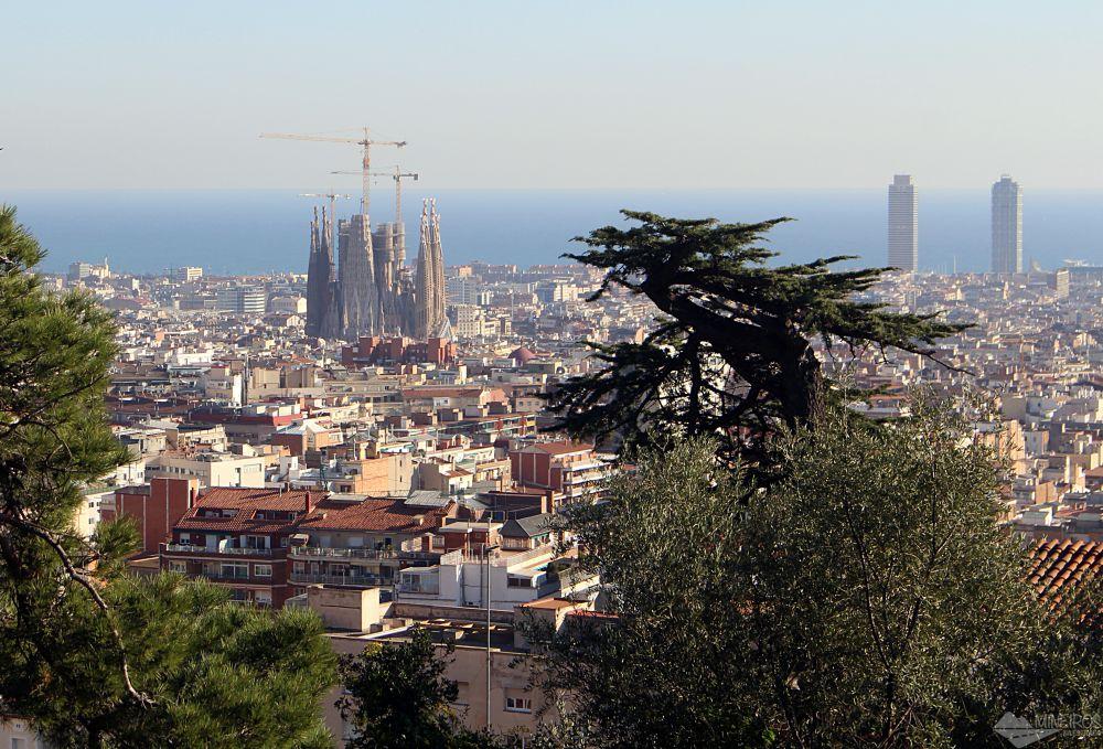 Precisa de ajuda para montar seu roteiro para Barcelona? Veja neste post o que fazer em 4 dias na cidade. Uma sugestão é Parque Güell.