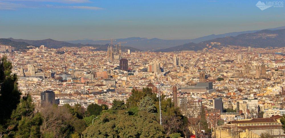 Precisa de ajuda para montar seu roteiro para Barcelona? Veja neste post o que fazer em 4 dias na cidade. Uma sugestão é o Parque Montjuic.