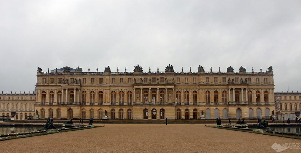 Veja como ir ao Palácio de Versalhes partindo de Paris. Saiba também sobre preços e o que tem para ver no complexo.
