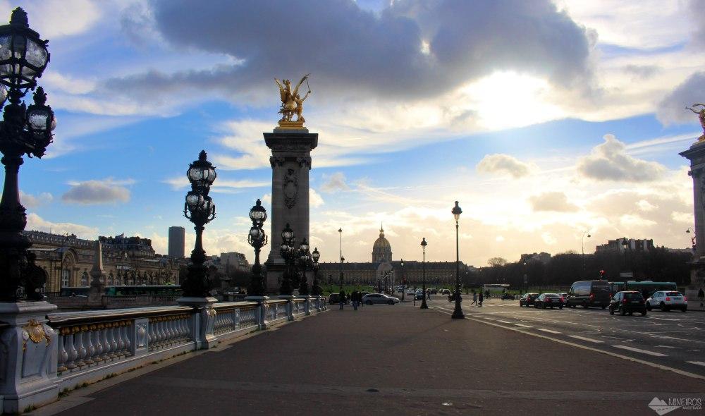 Ponte Alexandre III, com Museu das Armas ao fundo
