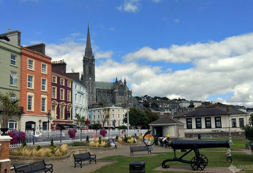 O que fazer em Cobh, bela cidade portuária no sul da Irlanda, famosa por ter sido a última parada do navio Titanic.