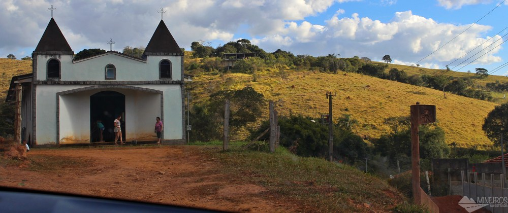 Igreja entre Pouso Alto e São Lourenço