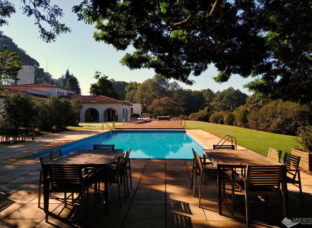 Área externa do Garden Hill Hotel e Golfe, em São João del Rei
