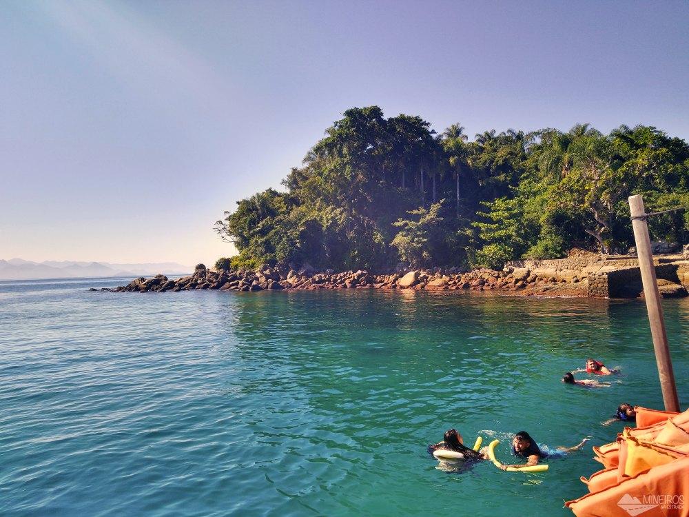 Ilha Comprida - passeio de escuna Paraty