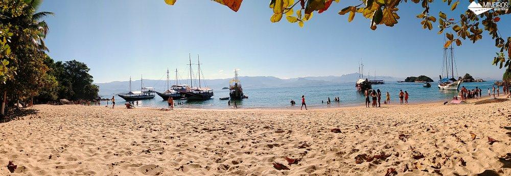 Panorâmica da Praia da Lula - Passeio de escuna Paraty