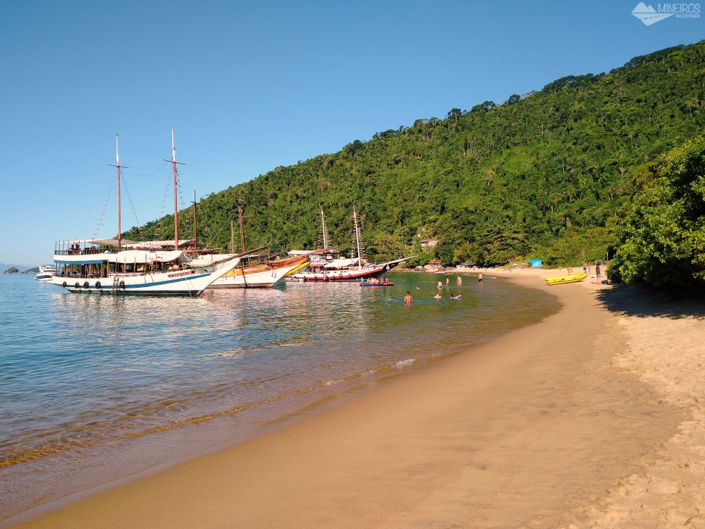 Praia Vermelha Passeio de Escuna Paraty