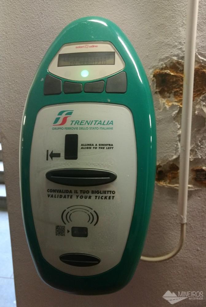 validador de tíquete de trem Italia