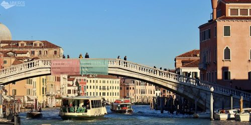 Como usar o vaporetto, o transporte público de Veneza