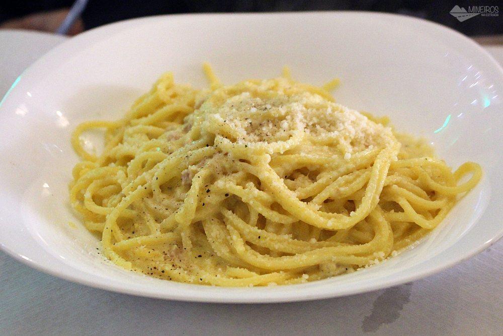 Espaguete à carbonara Bar Senato Roma
