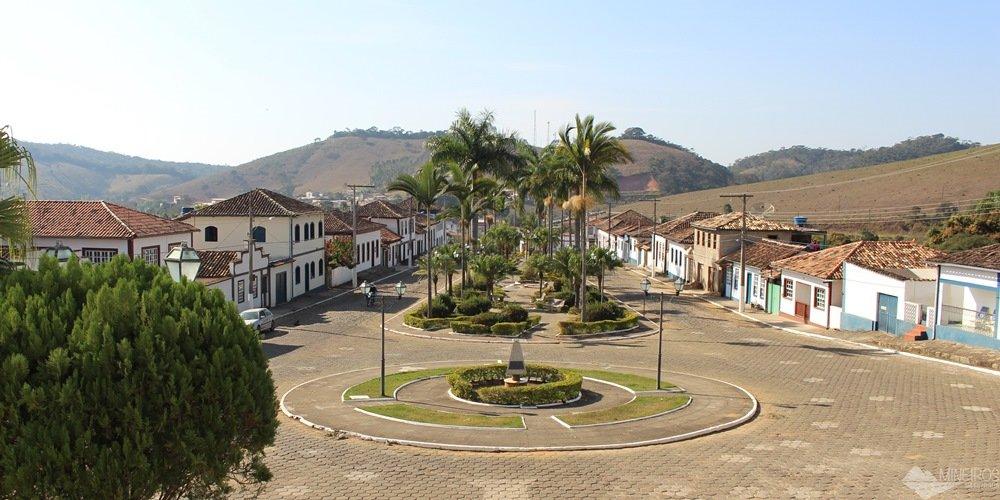 Santana dos Montes, uma cidadezinha a 130 quilômetros de Belo Horizonte. Cheia de hotéis-fazenda e pousadas românticas, uma ótima opção para descansar em Minas Gerais