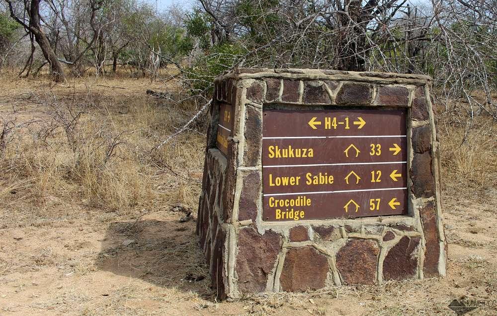 placas de sinalização no Kruger Park
