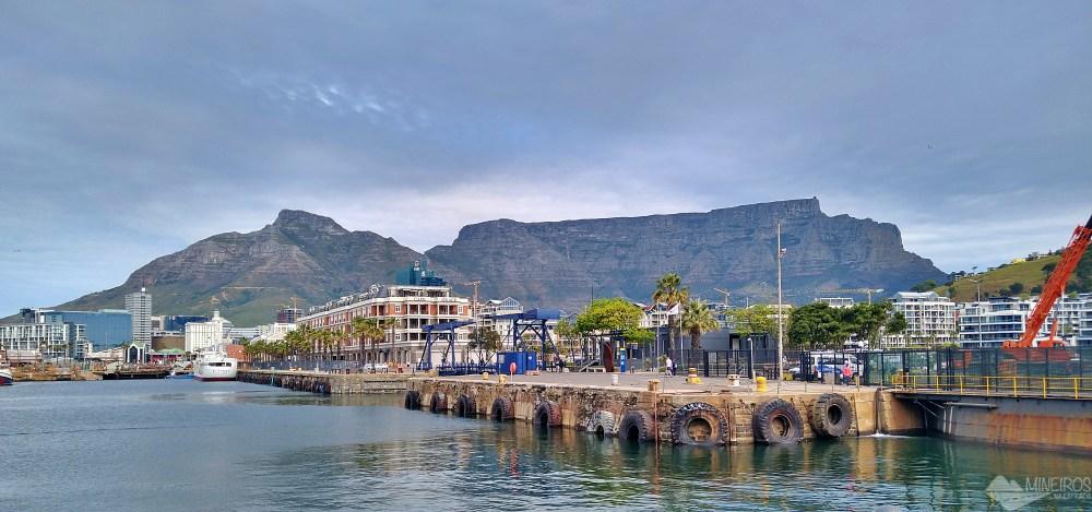 Table Mountain vista do Waterfront Cidade do Cabo