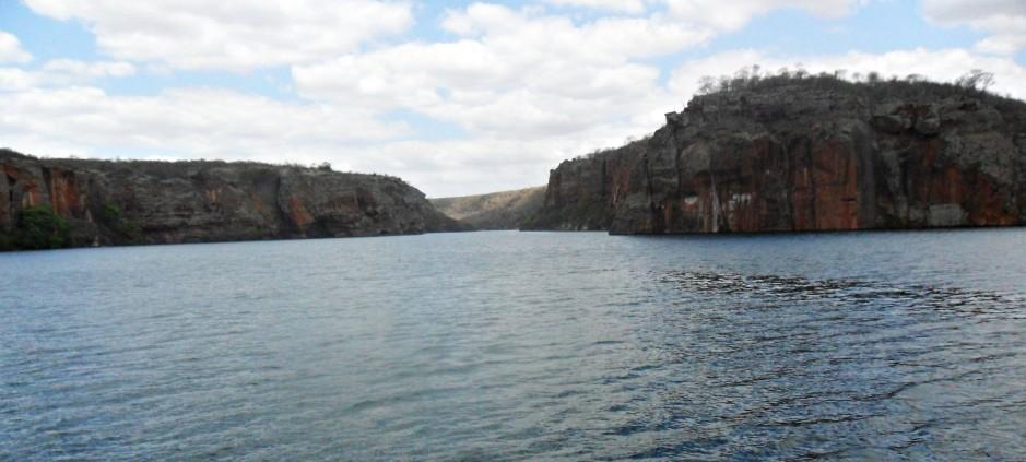 Cânion do Xingó – navegando pelo Rio São Francisco